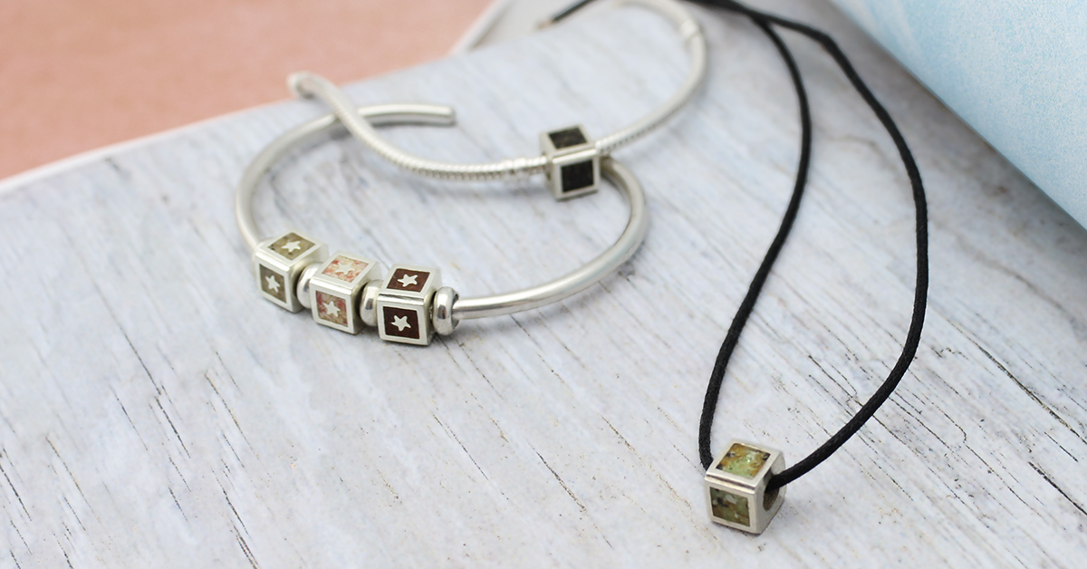 Personalized Charm Bracelets Show That You Ve Been Paying Attention